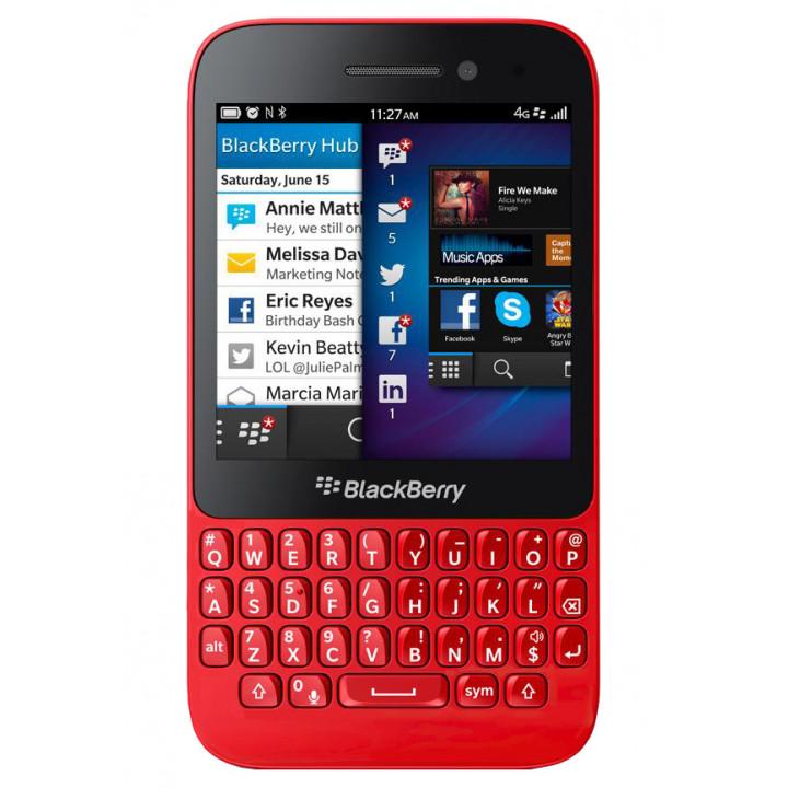 BlackBerry Q5 red
